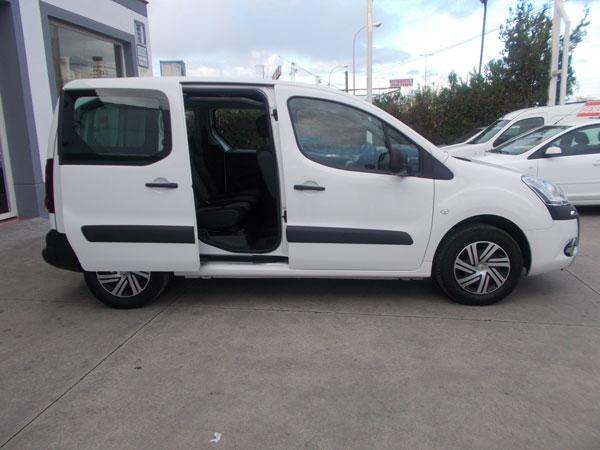 Alquiler de furgonetas de pasajeros en Cordoba 5 plazas 03