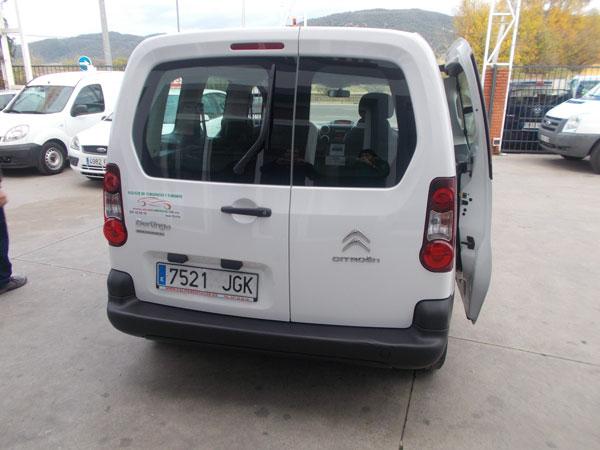 Alquiler de furgonetas de pasajeros en Cordoba 5 plazas 04