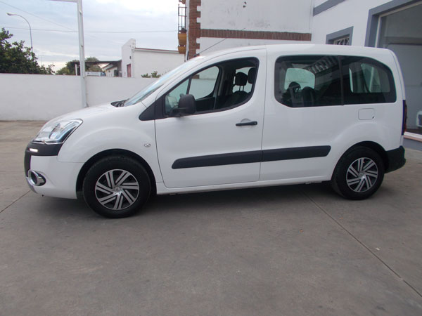 Alquiler de furgonetas de pasajeros en Cordoba 5 plazas 05