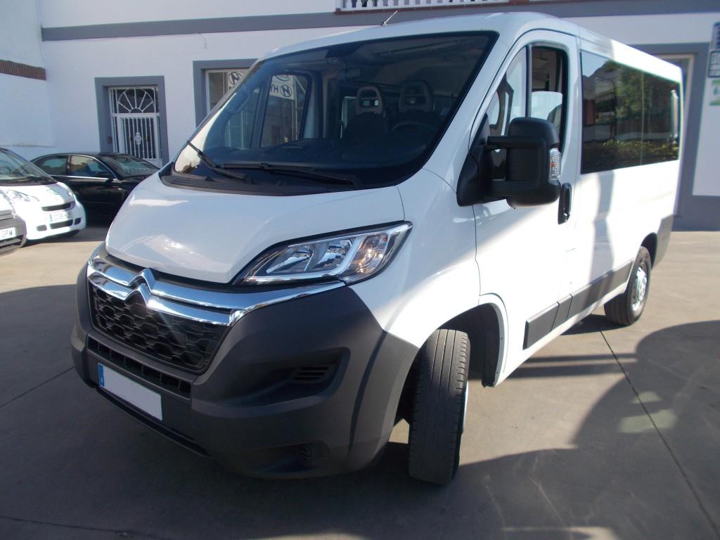 Alquiler de furgonetas de pasajeros en Cordoba 9 plazas 02