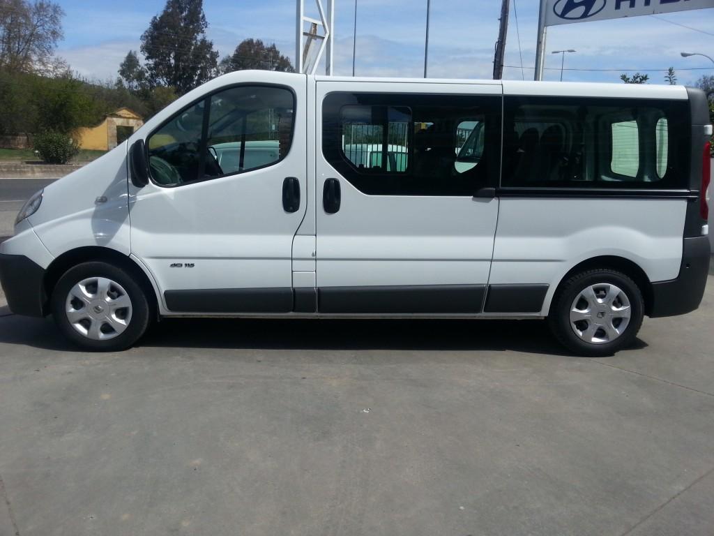 alquiler de furgonetas de pasajeros en cordoba 9 plazas 03